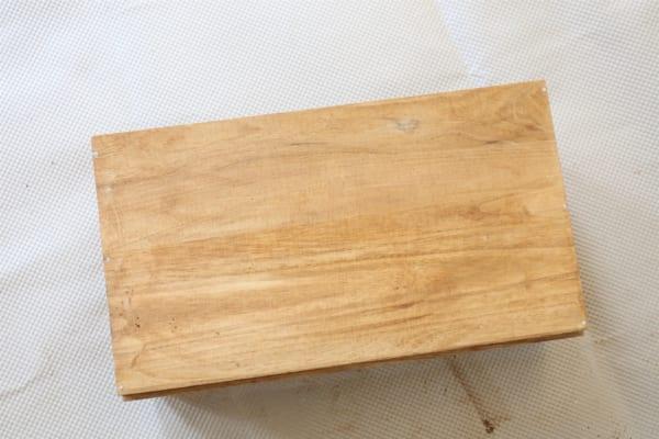 古道具のような風合いのブックシェルフの作り方8