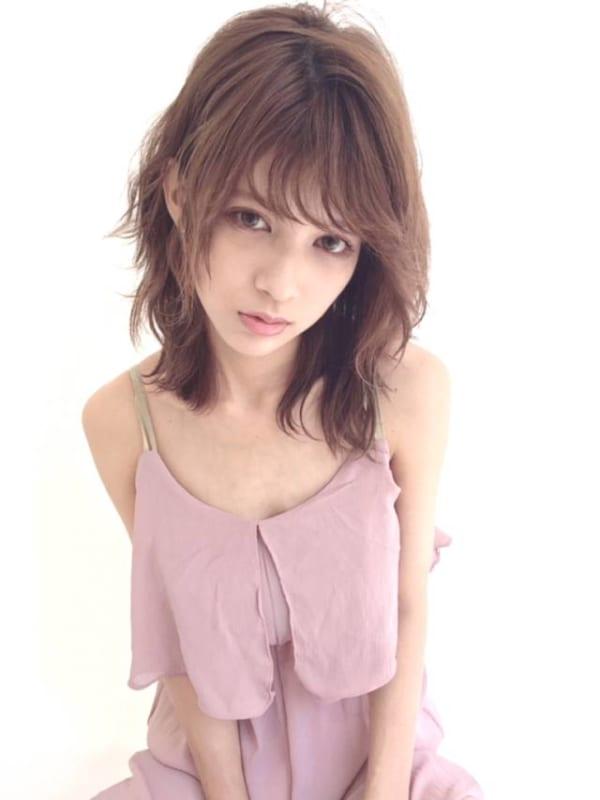 ぽっちゃりさんに似合う髪型③ミディアム3