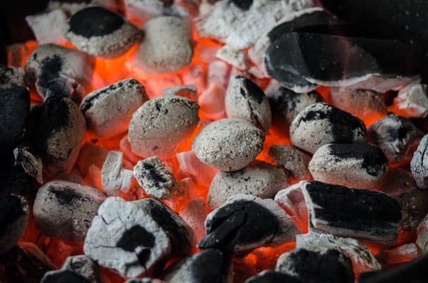 木炭を自宅で簡単に作るには?