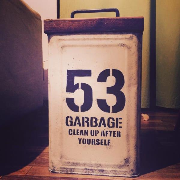 レトロな雰囲気のDIYゴミ箱1