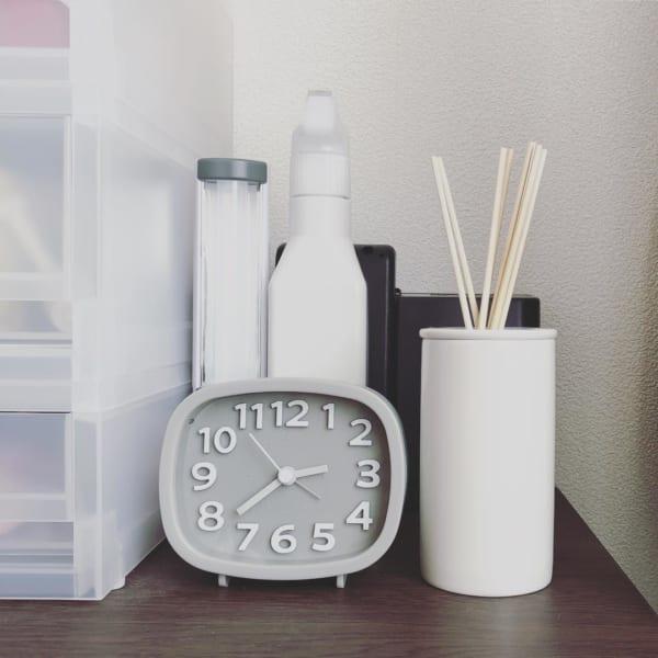 ダイソー 時計 グレー