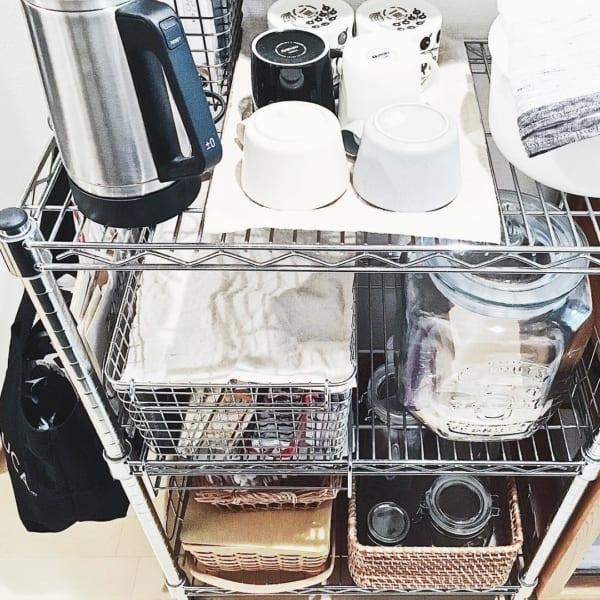 スチールラックを使った食器収納