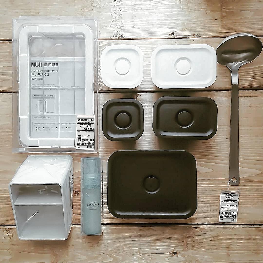 ポロプロピレン製保存容器になるバルブ付き弁当箱