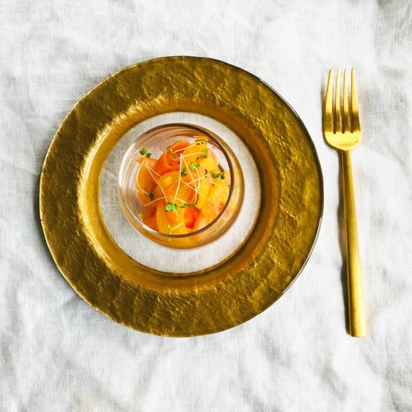 柿×ゴールドの食器で思いっきりゴージャスに