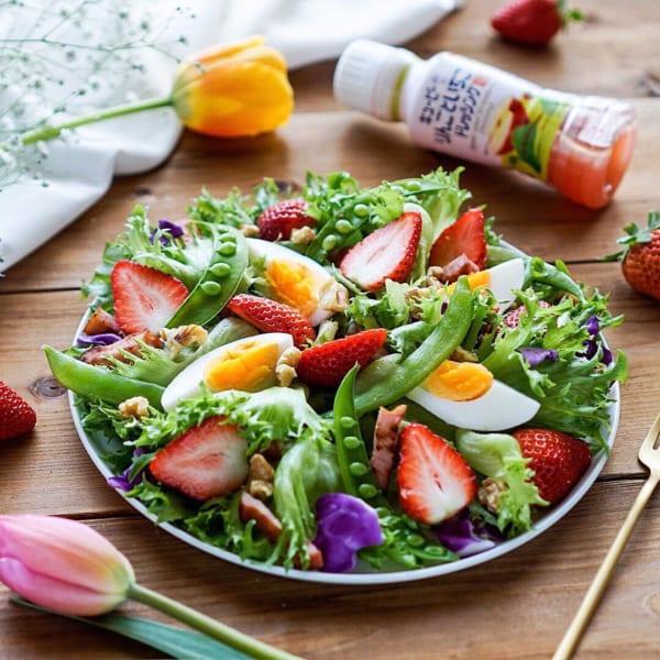 インスタ映え料理 苺 サラダ