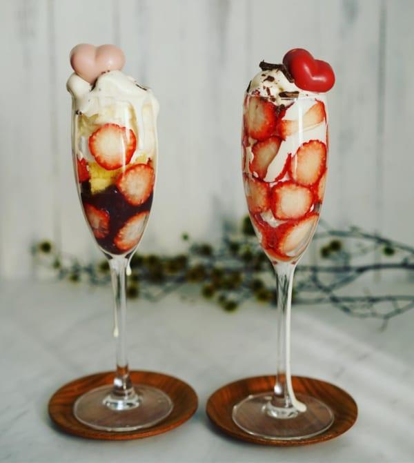 インスタ映え料理 苺パフェ