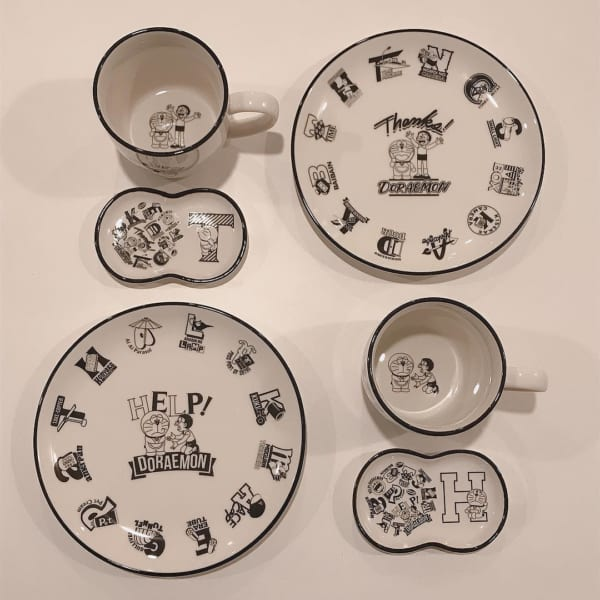 ドラえもんマグカップ・お皿・小皿(3COINS)