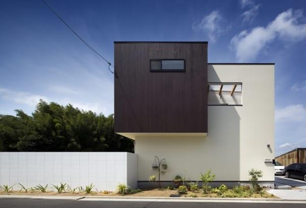 中庭のあるデザイナーズ住宅