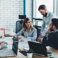 職場恋愛はあるきっかけから。職場の男性と恋愛する方法と5つの注意点