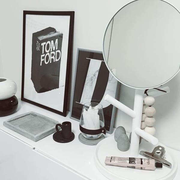 インテリア小物として鏡を用いる