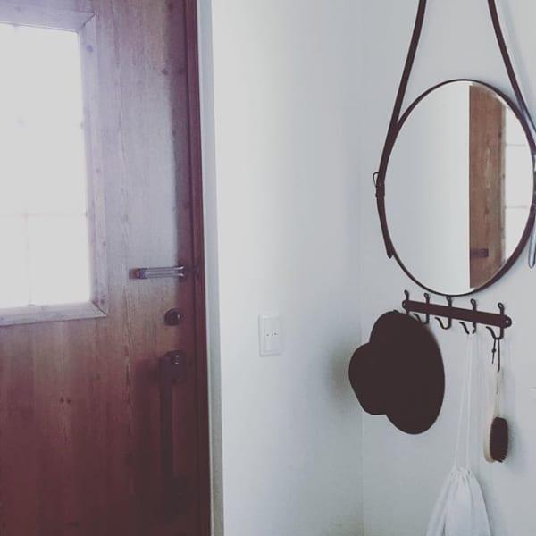 鏡を玄関に飾ってみる2