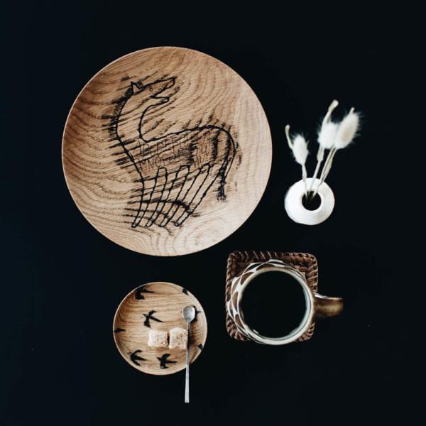 宮内知子 木製 プレート