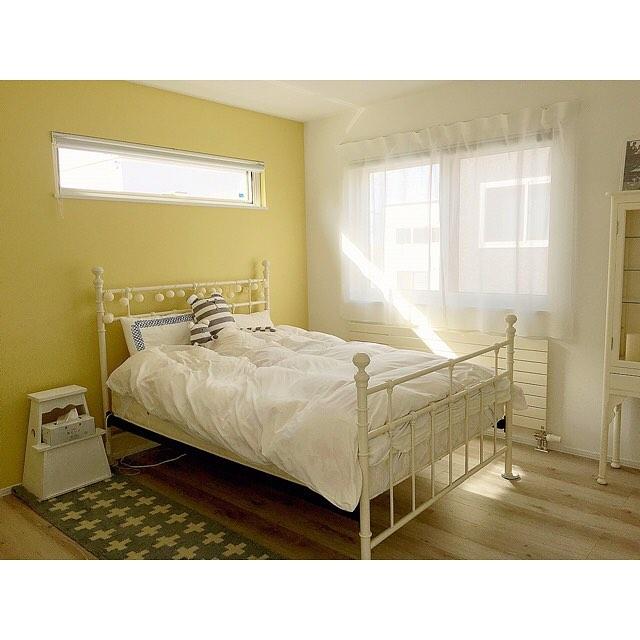 アクセントクロス 寝室 イエロー