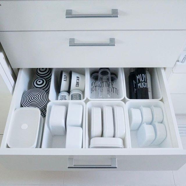 保存容器収納 タッパー 食器棚2