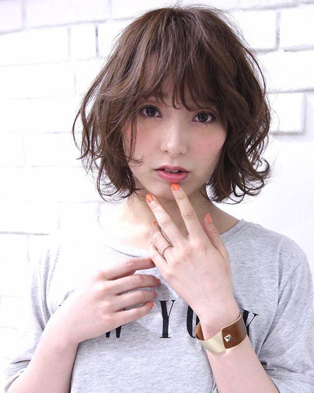 くせ毛のパーマ風アレンジ①ショートヘア11