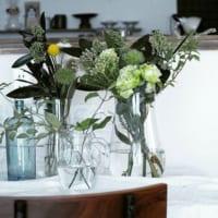 透明感のある華やかさをプラス!ガラス容器で楽しむフラワーアレンジのススメ