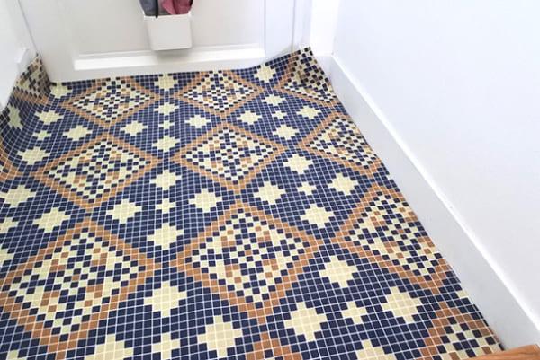 フェリシモ 【使ってみた】モザイクタイル風シートで玄関の床をイメチェン!5