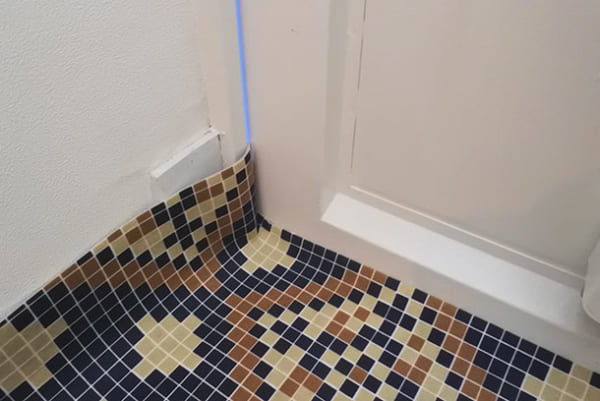 フェリシモ 【使ってみた】モザイクタイル風シートで玄関の床をイメチェン!8