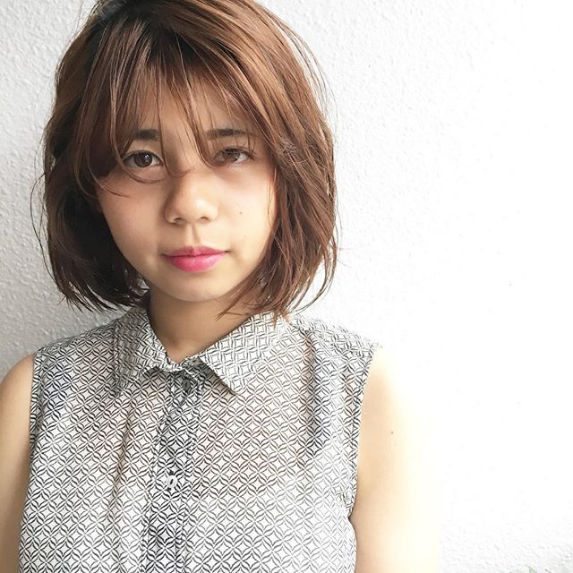 丸顔さんにおすすめ:前髪ありスタイル
