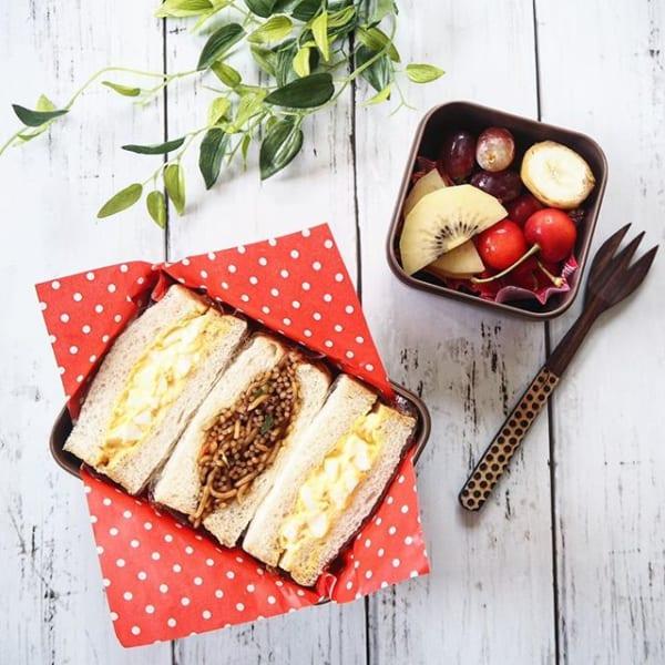 真っ赤なドット柄が可愛いサンドイッチ弁当