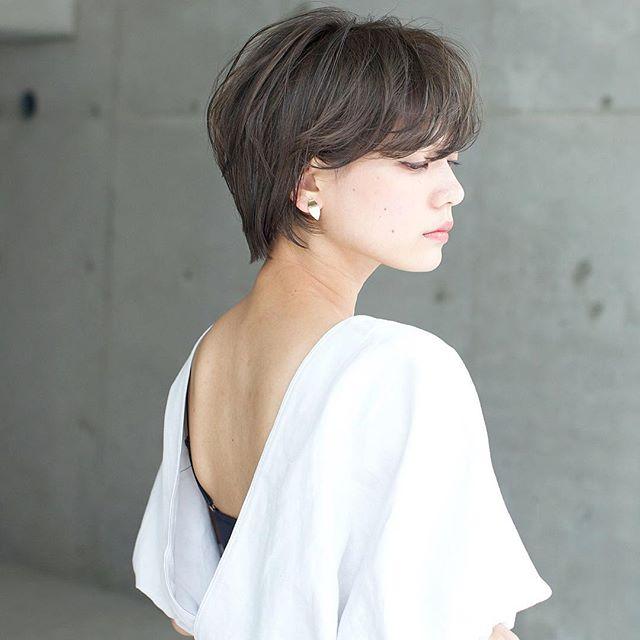 2019 モテる髪型 耳かけショート