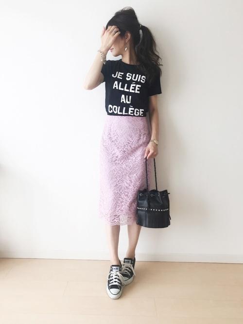 タイトスカート×Tシャツコーデ2