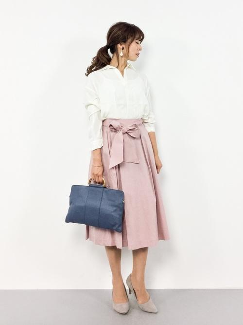 リボンつきピンクスカートコーデ
