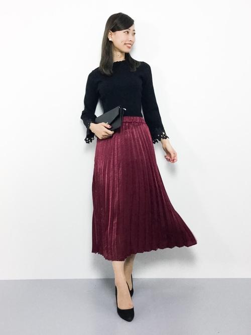 赤のプリーツスカート2