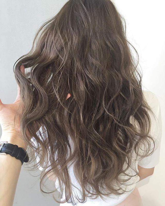 2019 モテる髪型 バレイヤージュロング2
