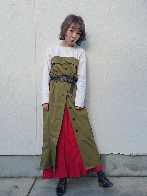 赤スカートをチラ見せ!上級レイヤードコーデ