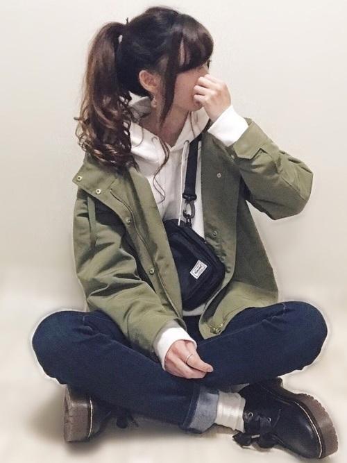 GUの春物アウターコーデ集 マウンテンパーカ4