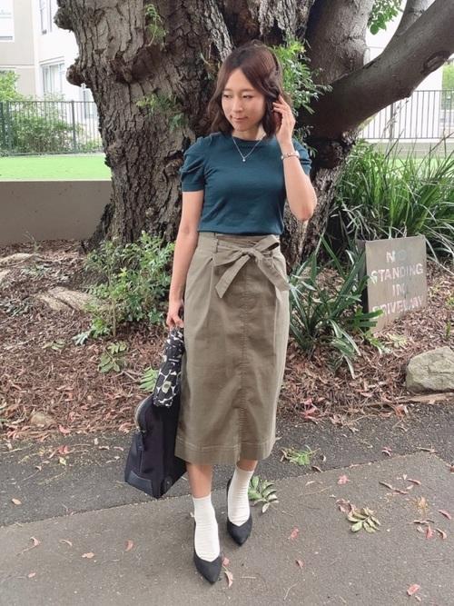 黒パンプス×タイトスカート2