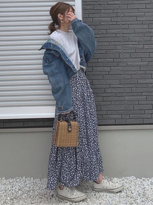 スウェット(ユニクロ)×花柄スカート(GU)