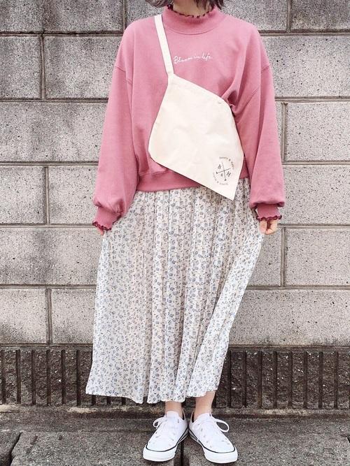 シフォン花柄プリーツスカート