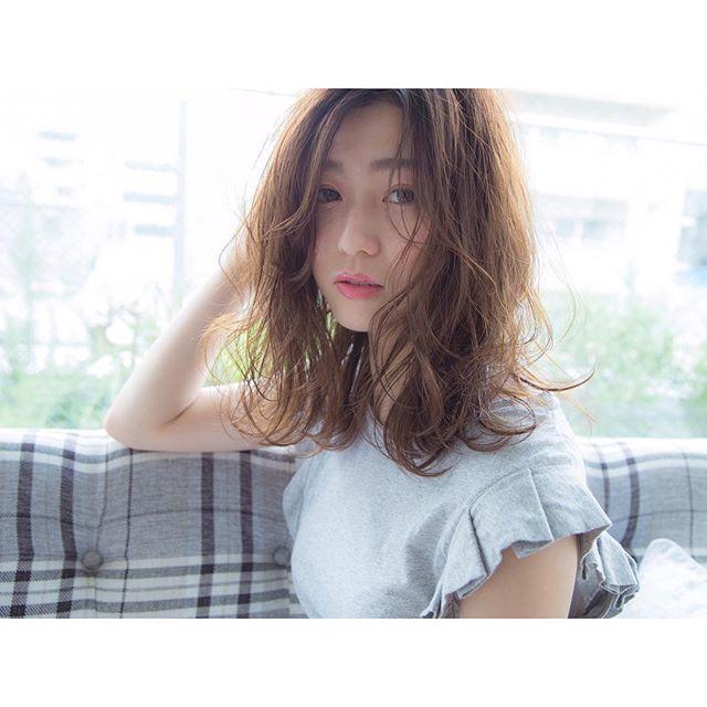 くせ毛のパーマ風アレンジ③ミディアムヘア11