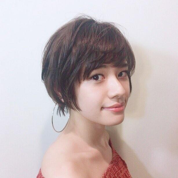 前髪長めのメリハリショート