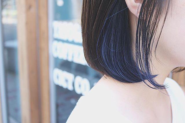 明るさで雰囲気が変わるブルー2