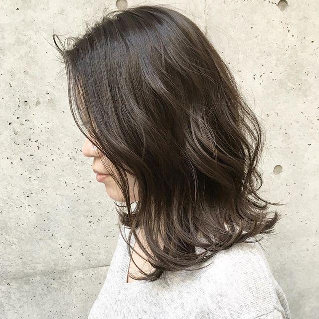 2019 モテる髪型 波ウェーブ 外ハネ