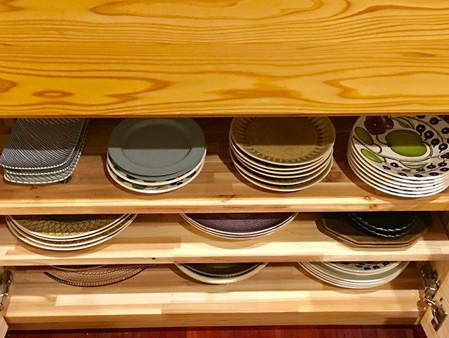 大切に保管されたお皿たち