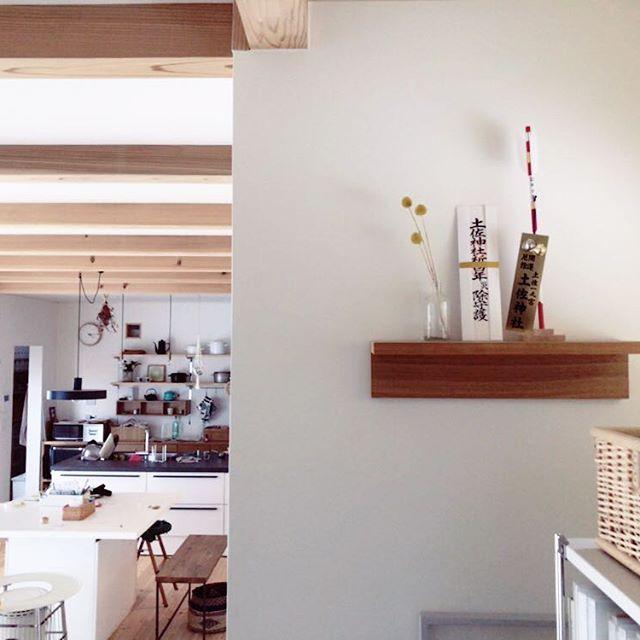 壁に付けられる家具・棚②神棚として使う