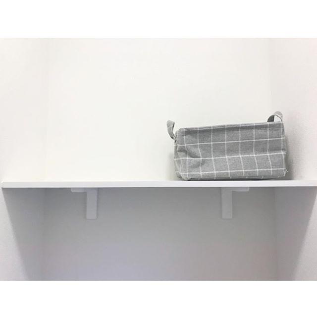 壁に板を取り付けて簡単に棚をDIY