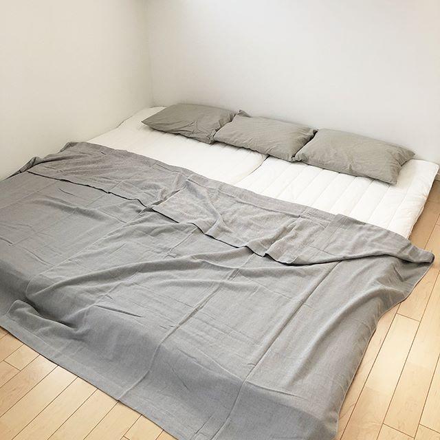 ローベッドで快適な寝室に3