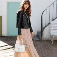 春はスカートが似合う季節!大人女性の「スカート」コーデ15選