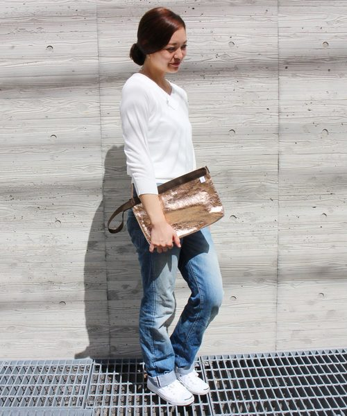 [And A] SINFU/シンフ viniy x metalic clutch/ビニール メタリック クラッチ バッグ