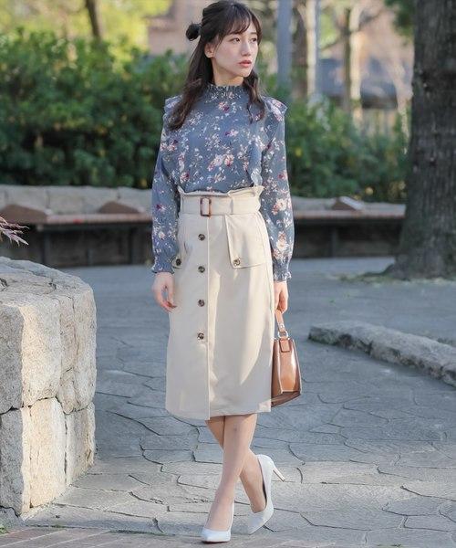 [clear] ベルト付きフロントボタンタイトスカート