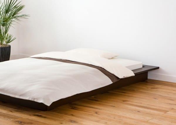 ローベッドで快適な寝室に2