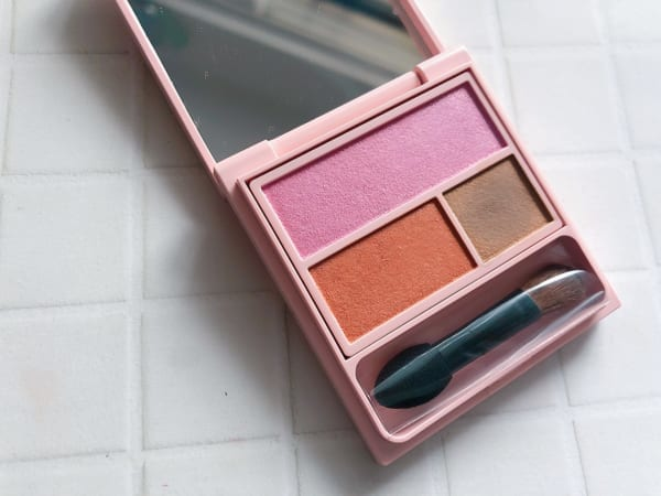 WHOMEE「アイシャドウパレット」 sunset pink