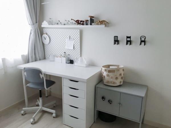 子供部屋インテリア 男の子 北欧 モノトーン デスク IKEA