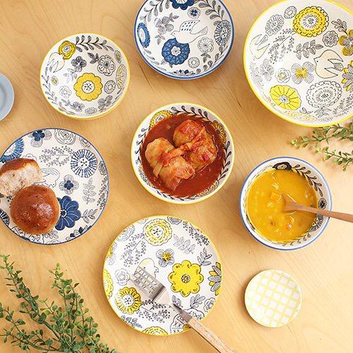 ブルー×イエローの花柄食器(CouCou)