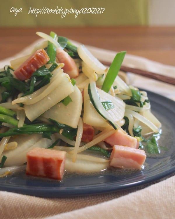 野菜とベーコンのコンソメ炒め